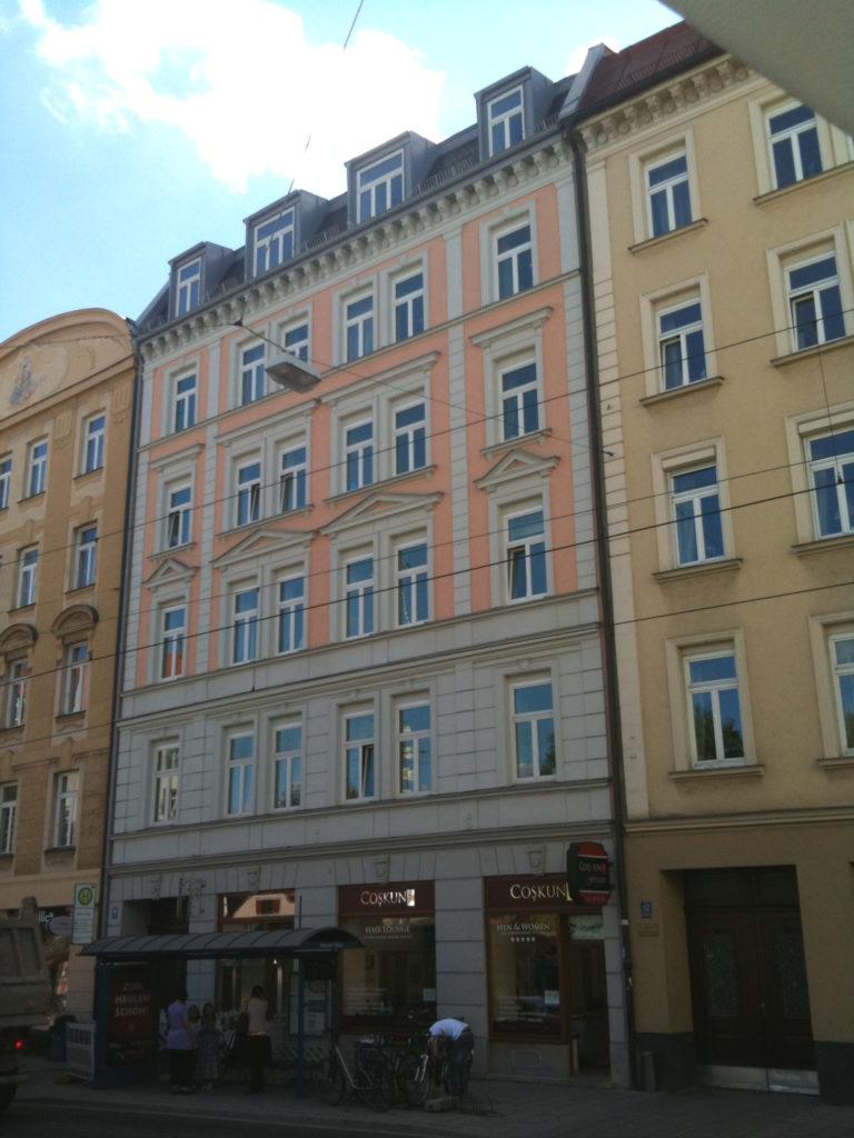 Fassadenanstrich-Villa-dekorativ-Fenster-Haidhausen-Muenchen